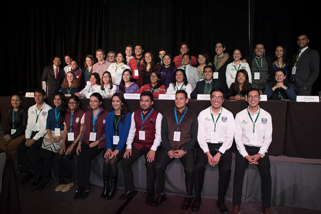 Alle Jugendliche, die an dem Kongress teilgenommen haben