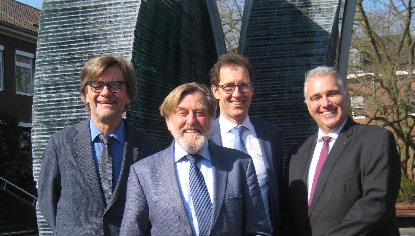 Der Vorstand der Bürgerstiftung Neukirchen-Vluyn (v.r.n.l.): Heinz-Jürgen Wienicke, Kurt Best, Per Hegenberg, Frank Lemm